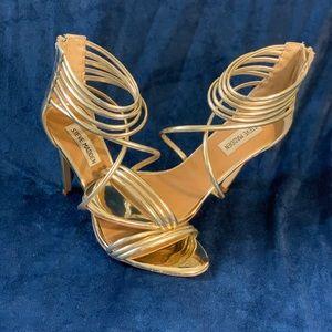 Super Sexy Golden!🔥 Steve Madden Strappy Sandals!